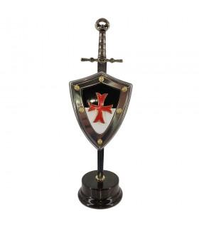 Set Templari, massonica di spade con uno scudo e un cavalletto